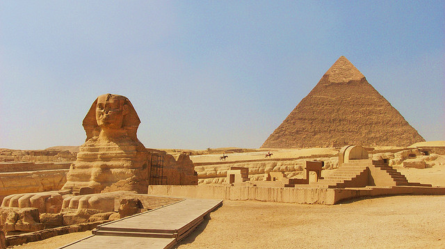 Que marquent réellement les pyramides et le Sphinx deGizeh?