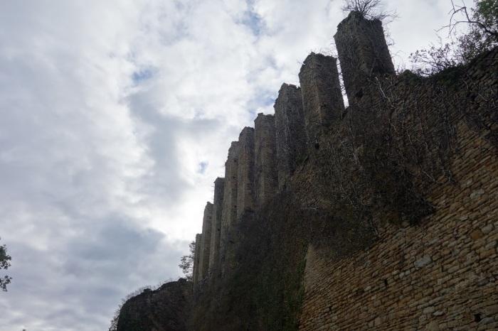 Ruines du château de Lourdon(71)